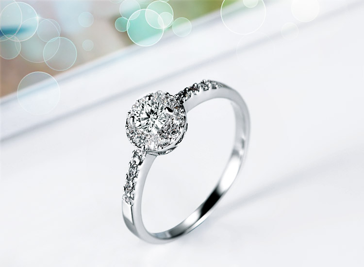 The Choice of the Engagement Ring: From Classic Solitaire to Originality!